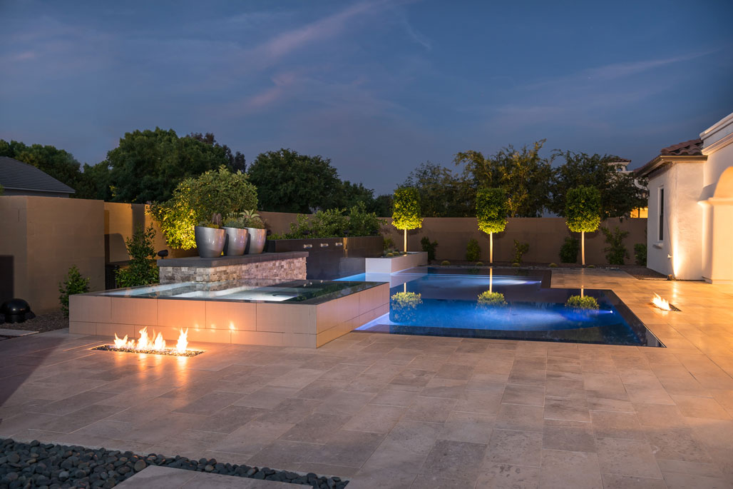Poolside glass fire display
